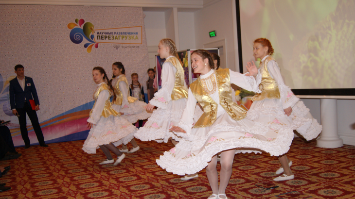 Волнующее мероприятие состоялось в Казани 24 апреля 2016 года — празднование 20-летия казанской Дистрибьюторской организации ТЕНТОРИУМ®! Праздник прошёл в очень душевной и комфортной обстановке роскошного отеля «Корстон»