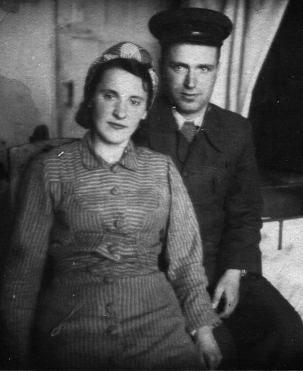 Мамыко (в девичестве Вовк) Мария Леонтьевна родилась 29 марта 1918 года в селе Андреевка Диканьского района Полтавской области