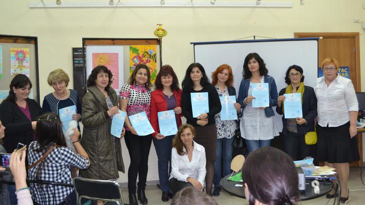 Учителя, которые работали сошкольниками вовремя подготовки кконкурсу. ТЕНТОРИУМ в Болгарии: работа кипит, развиваем «медовый» бизнес!