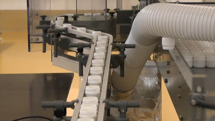 Завод TENTORIUM RULAND производит жировые кремы, используя технологию, наиболее близкую к рецептуре «бабушкиных» кремов