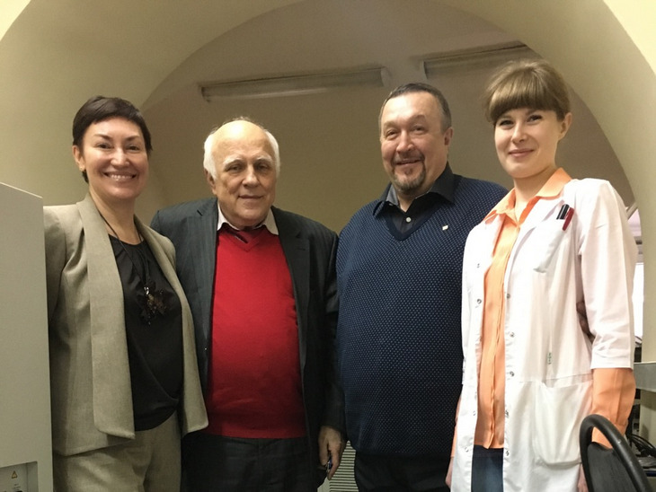 Р. Хисматуллин убыл в Глазго на конференцию по апитерапии