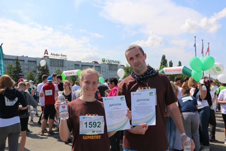 Проект «Зелёный марафон» направлен на вовлечение активных и неравнодушных людей по всей стране в улучшение и благоустройство окружающей среды. «Зеленый марафон — 2016» прошёл под девизом «Начни с себя! Сделай мир лучше!»