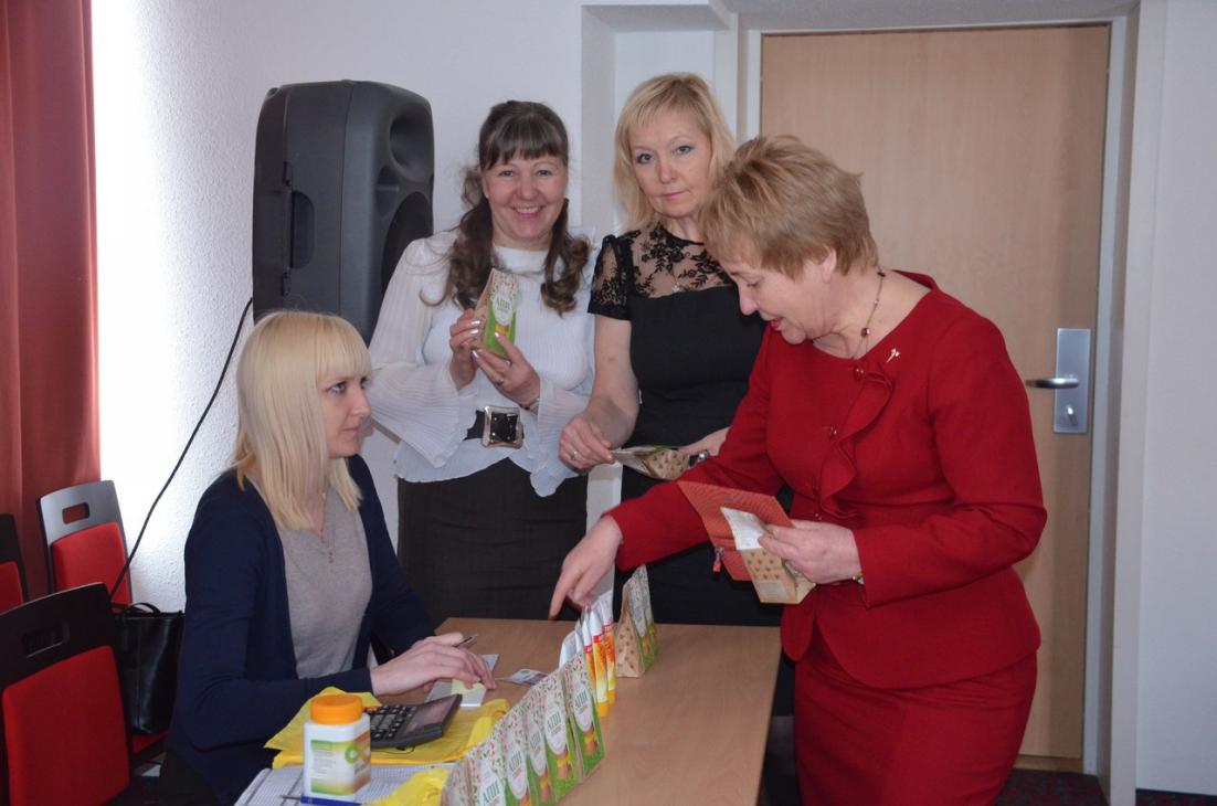 Нижний Новгород, Бизнес-Директор Антонина Андриянова: Зал на 100 мест был полон. Как всегда информация от первых лиц Компании была потрясающей!