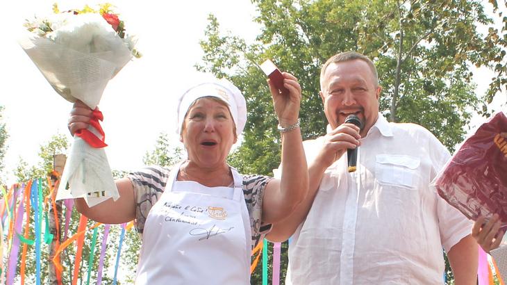 Поздравляем Нину Павловну с победой! Это ее награда!