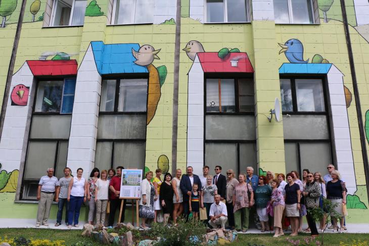 Рекордное граффити Граффити почти на квадратный километр — не последний сюрприз, который ТЕНТОРИУМ® готовит своим Партнёрам. Следите за новостями на официальном сайте Компании!
