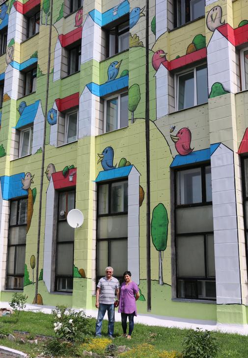 Нафоне яркого фасада здания Курорта В Казахстане открылся новый Сервисный центр