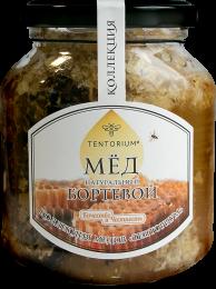 """Входящий в """"Коллекцию ТЕНТОРИУМ"""" мёд создан пчёлами без вмешательства человека, без ветеринарных препаратов, в примитивных конструкциях - бортях. Уникальные """"медовые языки"""" содержат только природные вещества."""
