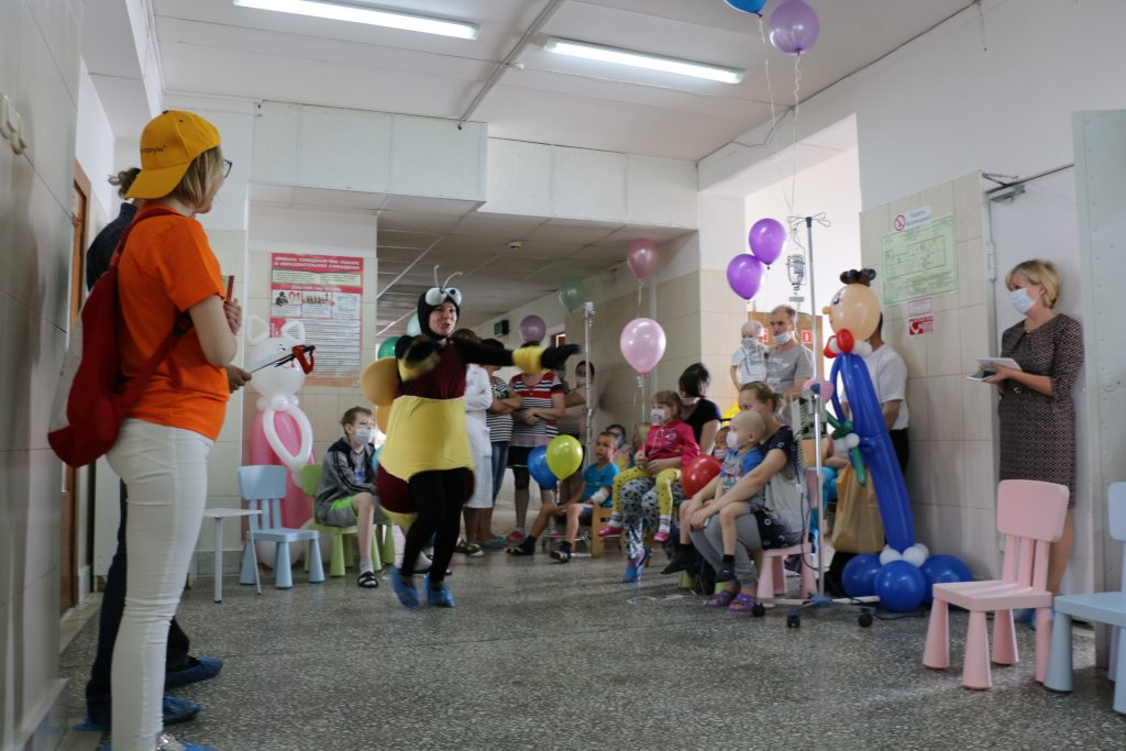 В День знаний ТЕНТОРИУМ® поздравил пациентов онкоцентра