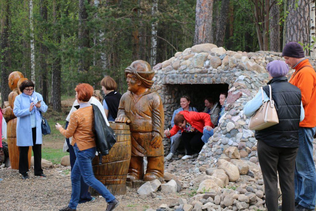 ТЕНТОРИУМ® торжественно открыл Монумент Её величеству Пчеле